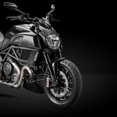Model-Page_2014_Diavel-Dark_01_960x420